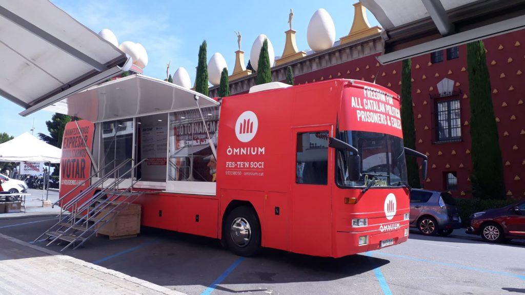 Autobus Escenario Ommnium Cultural