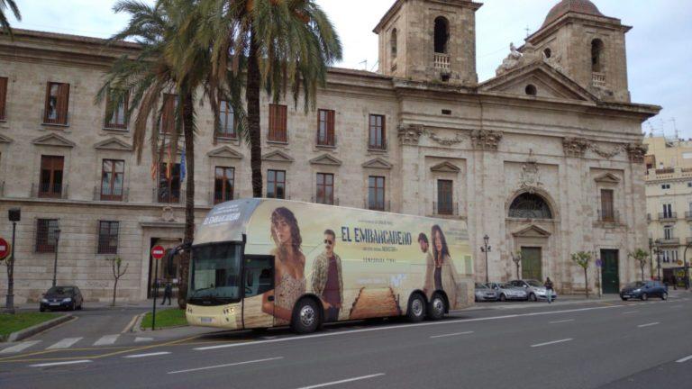 El Embarcadero Autobus Valle de serie Movistar