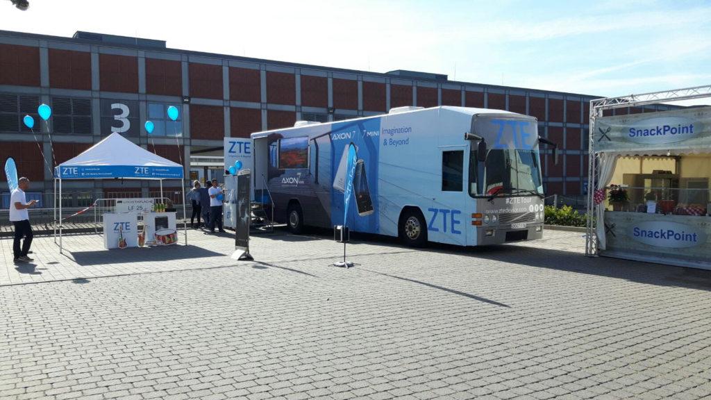 Vehiculos Exposición ZTE Europa